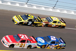 Trevor Bayne, Wood Brothers Racing Ford, Marcos Ambrose, Petty Motorsport Ford, David Ragan, Roush Fenway Racing Ford, Brad Keselowski, Penske Racing Dodge