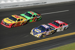 Kurt Busch, Penske Racing Dodge, Mark Martin, Hendrick Motorsports Chevrolet, Martin Truex Jr., Michael Waltrip Racing Toyota, Trevor Bayne, Wood Brothers Racing Ford