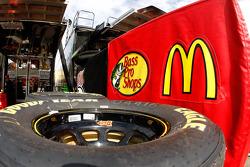 Tire for Jamie McMurray, Earnhardt Ganassi Racing Chevrolet