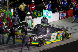 Pit stop for Nelson A. Piquet, Kevin Harvick Inc Chevrolet