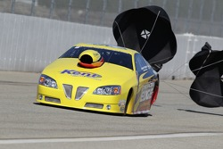 Rodger Brogdon deploys the parachutes in his The Racers Edge Pontiac GXP