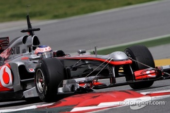 Jenson Button, McLaren Mercedes uses a test front wing