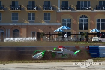 #018 Performance Tech Motorsports Oreca FLM09: Anthony Nicolosi, Jarret Boon, Jan-Dirk Leuders crashes