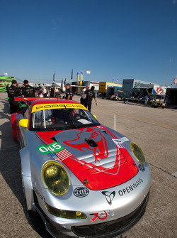 #045 Flying Lizard Motorsports Porsche 911 GT3 RSR
