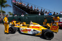 Car of Ryan Hunter-Reay, Andretti Autosport behind the pitwall