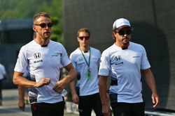 (L to R): Jenson Button, McLaren with Fernando Alonso, McLaren