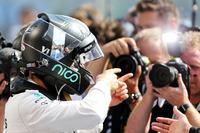 Formula 1 Fotoğraflar - Yarış galibi Nico Rosberg, Mercedes AMG F1, parc ferme