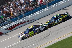 David Reutimann, Michael Waltrip Racing Toyota, A.J. Allmendinger, Richard Petty Motorsports Ford