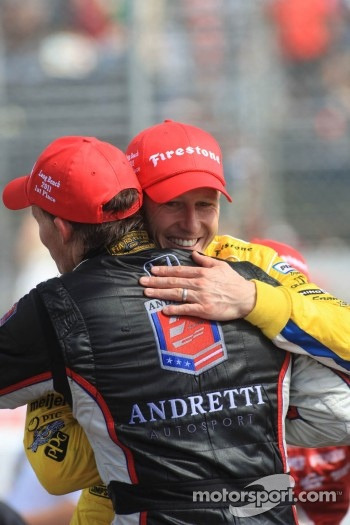 Race winner Mike Conway, Andretti Autosport celebrates with Ryan Briscoe, Team Penske