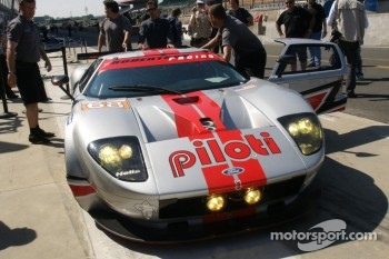 #68 Robertson Racing Ford GT-Doran