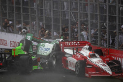 Trouble for Danica Patrick, Andretti Autosport, Simona de Silvestro, HVM Racing, Helio Castroneves, Team Penske