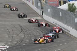 Sébastien Bourdais takes the lead at the restart