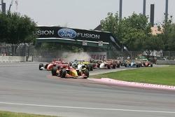 Race start turn 1