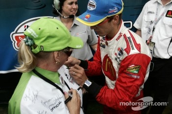 Champ Car World Series 2006 champion Sébastien Bourdais signs autographs