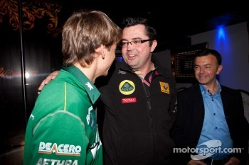 GP2 launch party, Billionaire Istanbul: Esteban Gutierrez talks with Eric Boullier, Lotus Renault GP