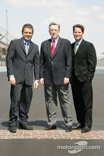 Gil de Ferran, left, Brent Musburger, center, and Todd Harris