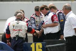 Rahal Letterman Racing cew members before the race