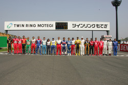 Family pictures: all the drivers competing in the 2005 Indy Japan 300