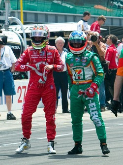 Pitstop challenge: Dan Wheldon and Tony Kanaan