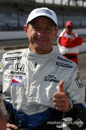 Roberto Moreno celebrates his qualification