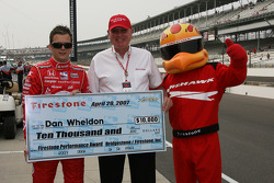 Dan Wheldon wins the Firestone Performance Award