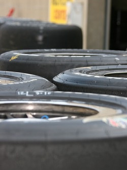 Firestone Firehawks tires