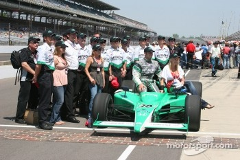 Ed Carpenter with his crew