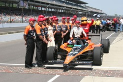 Dario Franchitti with his crew