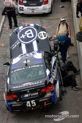 #45 Fall-Line Motorsports BMW M3 Coupe: Al Carter, Hugh Plumb in the pits