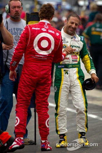 Pit stop challenge: Scott Dixon, Target Chip Ganassi Racing and Tony Kanaan, KV Racing Technology-Lotus