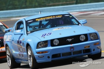 #95  Race with RP Ford Mustang: Brad Adams, Jim Daniels, Steve Phillips