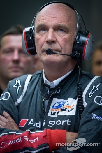 Dr. Wolfgang Ullrich watches the last minutes of the race