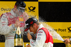 Podium: Timo Scheider, Audi Sport Team Abt celebrates with champagne