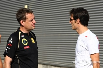 Steve Nielsen, Lotus Renault GP, Sporting Manager with Mark Webber, Red Bull Racing