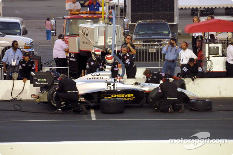 Pitstop for Eddie Cheever