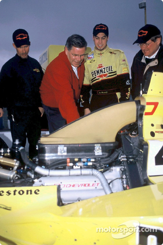 Pennzoil Panther Racing team manager Kevin Blanch, engine builder Rick Long of Speedway Engine Development, driver Sam Hornish Jr. and GM Racing engineer Dick Amacher