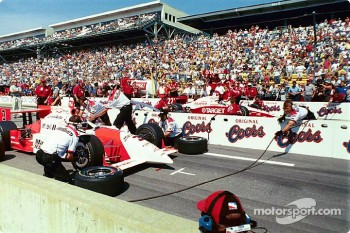 Pitstop competition: Helio Castroneves and Kenny Brack