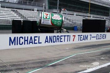 Michael Andretti's pitstall