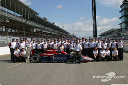 2004 Indianapolis 500 winner Buddy Rice with his team