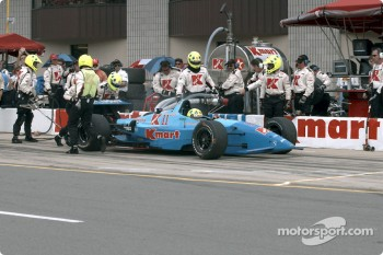 Pitstop for Christian Fittipaldi