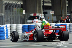 Helio Castroneves in trouble