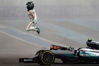 Formel 1 Fotos - Weltmeister Nico Rosberg, Mercedes AMG F1 W07 Hybrid