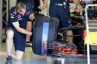 Формула 1 Фотографії - Даніель Ріккардо, Red Bull Racing, тести нових шин Pirelli 2017 року
