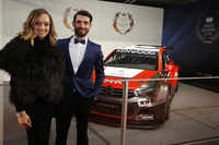 Algemeen Foto's - Jose Maria Lopez, Citroën en vrouw
