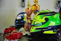 Indian Open Wheel Fotos - Mick Schumacher helmet