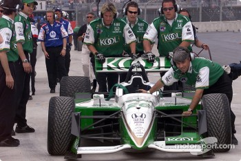 Team KOOL Green crew pushing car on pitlane