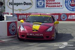 Celebrity race practice: Tommy Kendall