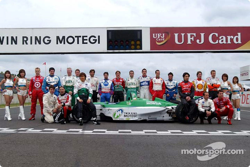 CART drivers family picture at Twin Ring Motegi