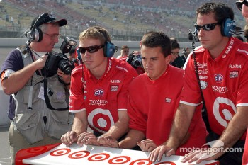 Ganassi Racing crew members