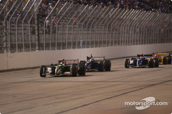 Ryan Hunter-Reay takes the checkered flag